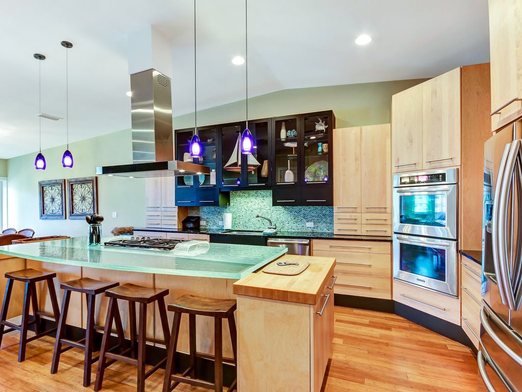 Stunning kitchen with upgraded appliances