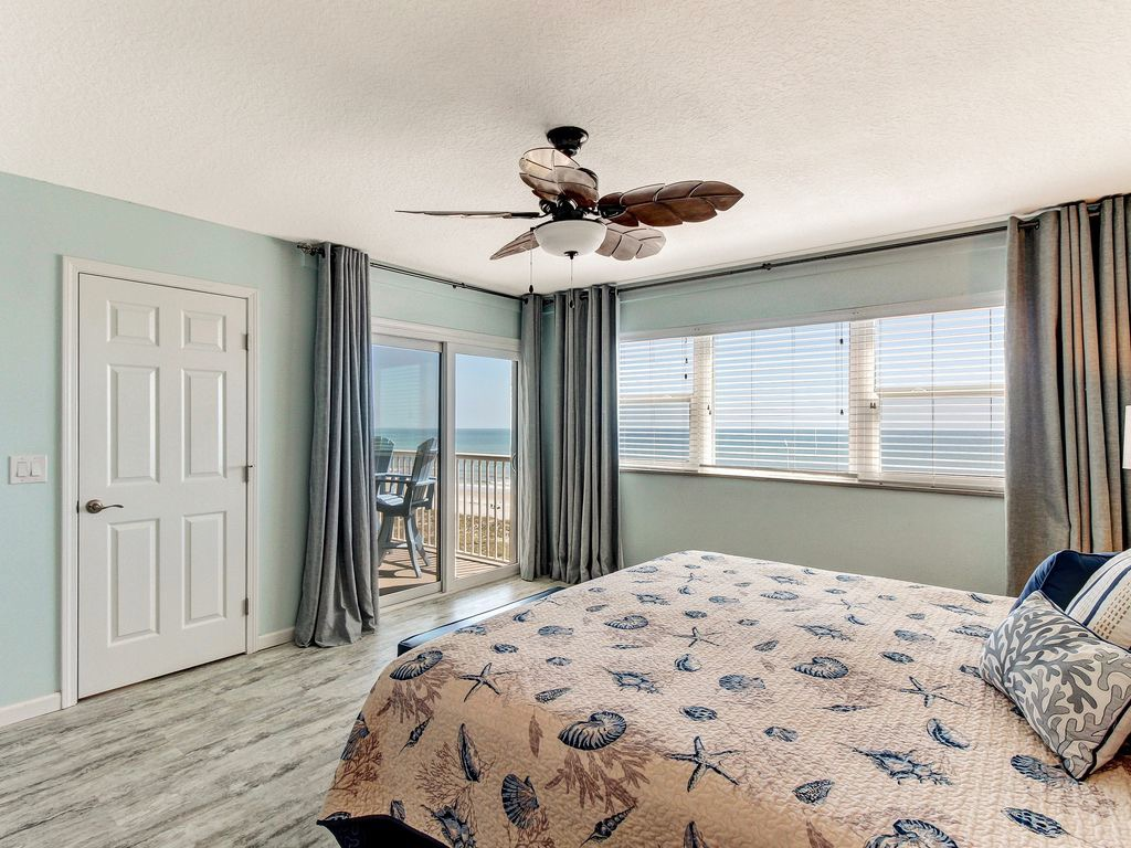 Master bedroom - see the Atlantic Ocean from your bed!