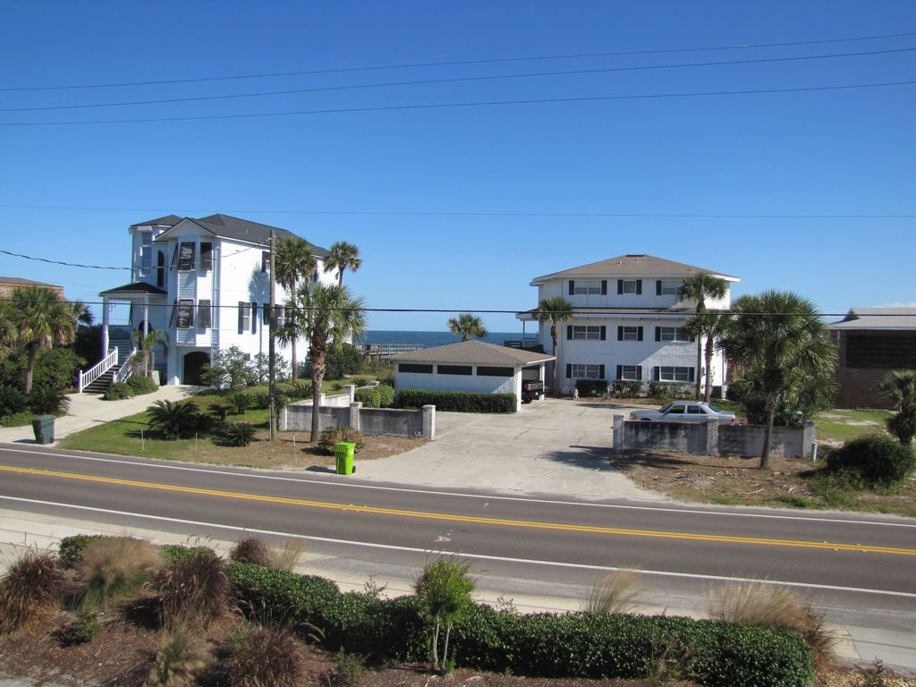 View across the street to beach access between the 2 houses