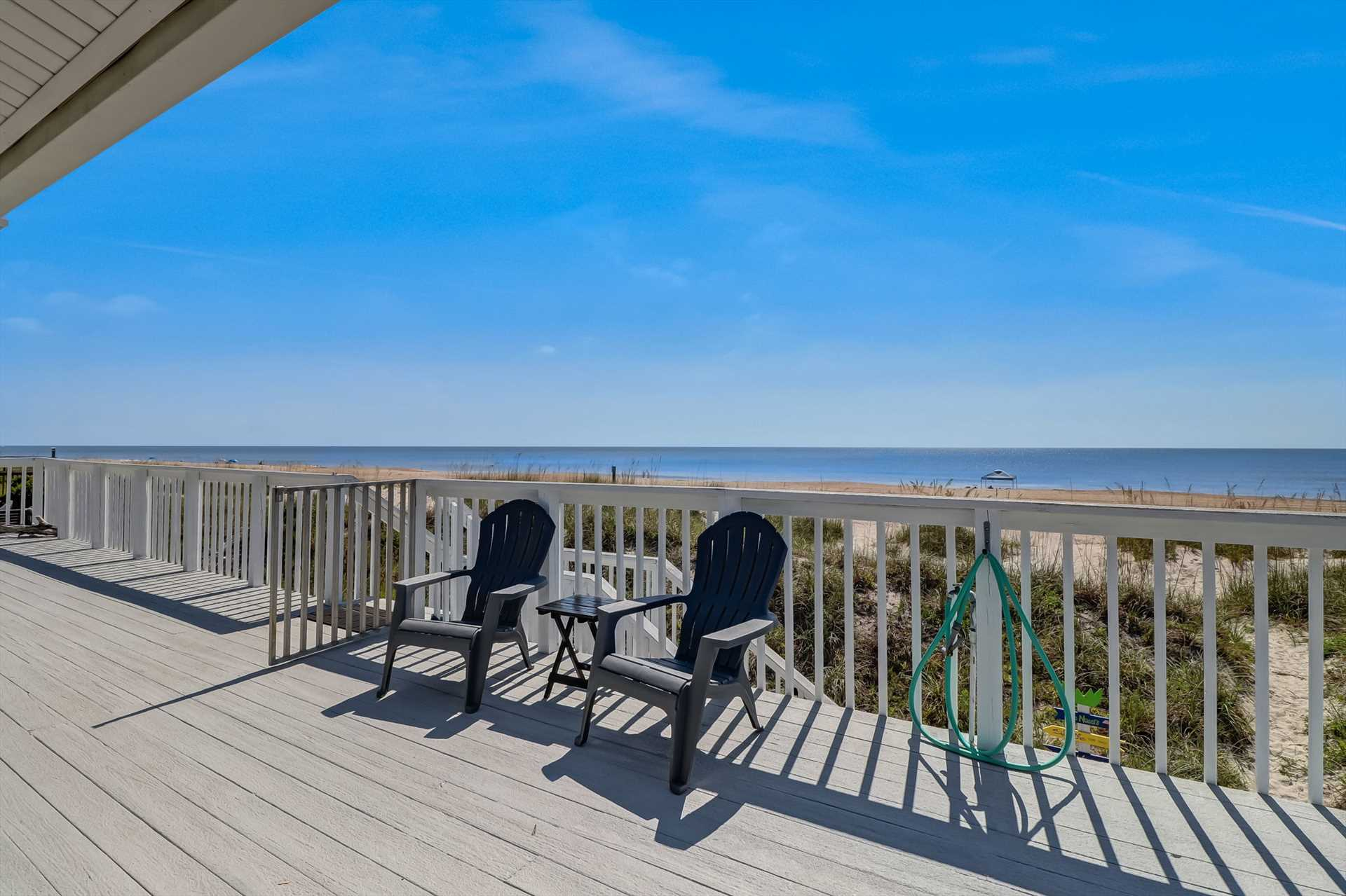 Top floor deck with panoramic views